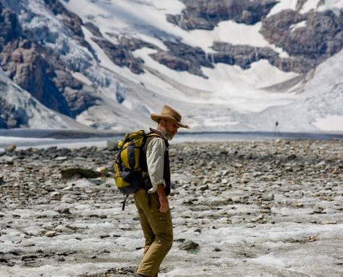 Nationalparkguide auf dem Gletscher im Nationalpark Hohe Tauern